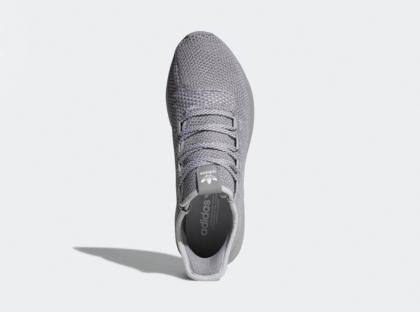 кроссовок Adidas