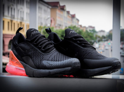 Nike Air Max 270 Triple Black Hot Punch